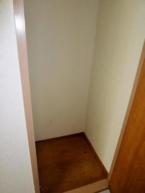 コーポあーさ・相武台 206号室の収納