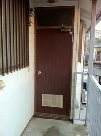 ハイツ光 202号室の玄関