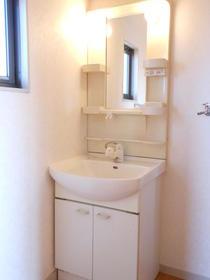 シャーメゾンB棟 201号室の洗面所