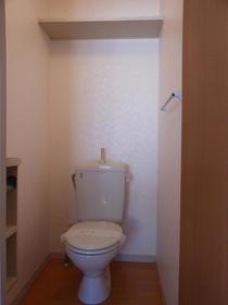 シャーメゾンB棟 201号室のトイレ