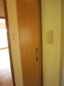 ポプラヶ丘コープ8号棟 405号室の収納