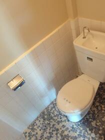 横田ハイツ 305号室のトイレ
