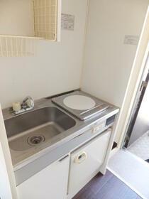 グリーンハウス上鶴間 201号室のキッチン