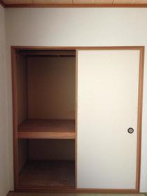 コーポ原ノ木C 205号室の収納