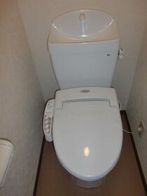 高峰コーポ 207号室のトイレ
