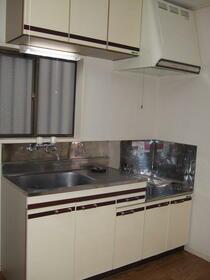 ヨシノM A-1号室のキッチン