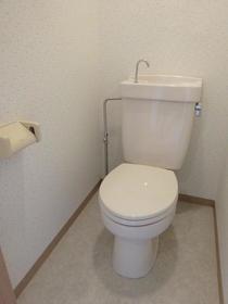 ジャストラックS 二番館 205号室のトイレ
