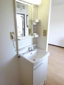 長村コート 202号室の洗面所