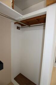フラットシティ 4-B号室の収納