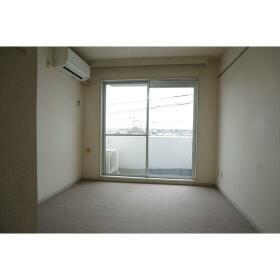 トップ桜ヶ丘第5 404号室のリビング