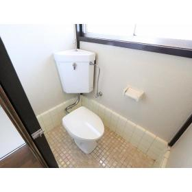 栗原荘 103号室のトイレ