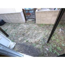 栗原荘 103号室の庭