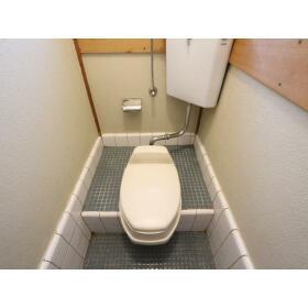 小菅荘 101号室のトイレ