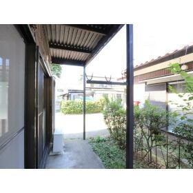 小菅荘 101号室の庭