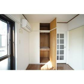 サザンウッドハイツ 301号室の収納