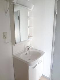 サンガーデン南町田C棟 102号室の洗面所