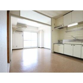桜ヶ丘東和マンション 403号室のリビング