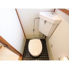 栗原荘 203号室のトイレ