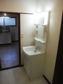 観月荘 101号室の洗面所