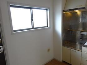 アルカディアドリームD棟 205号室のキッチン