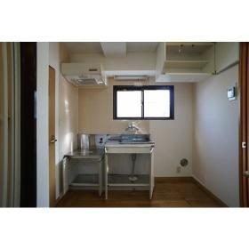 ファインズビル南林間 301号室のキッチン