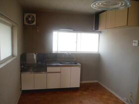 中芳ハイツ 201号室のキッチン