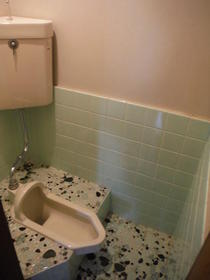 観月荘 201号室のトイレ