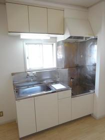 アルカディアドリームB棟 103号室のキッチン