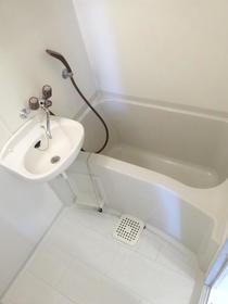 アルカディアドリームB棟 103号室の風呂