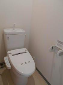 セゾン東林間 201号室のトイレ