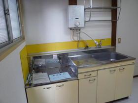 山口アパート 202号室のキッチン
