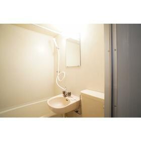 レオパレス南林間第3 202号室の洗面所