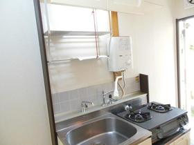 ホワイトハイツ 106号室のキッチン