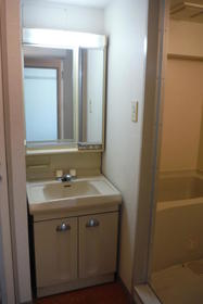 荻窪ハイツ 205号室の洗面所