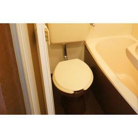 クレドール旭 202号室のトイレ