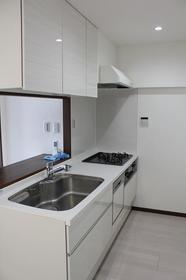 丸増大和中央ハイツ 404号室のキッチン