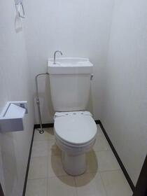 ジャストラックS 二番館 303号室のトイレ