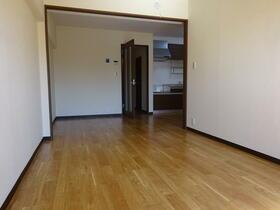 ジャストラックS 二番館 303号室のキッチン