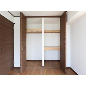 リバーサイド桜ヶ丘 104号室の収納