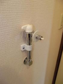 レジデンスリヨン 201号室のトイレ