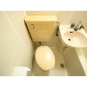 ホーユウコンフォルト大和中央 108号室のトイレ