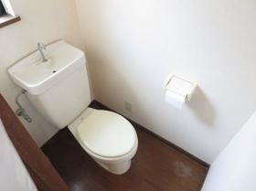 コスモハイツ桜ヶ丘 201 201号室のトイレ