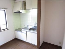 コスモハイツ桜ヶ丘 201 201号室のキッチン