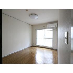 サンハイム桜ヶ丘 103号室のリビング