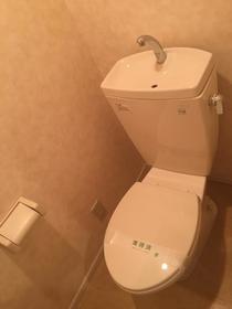 ジュピター1 103号室のトイレ