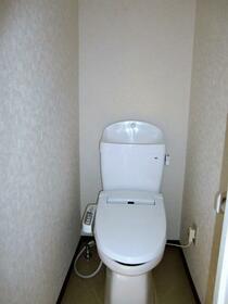 高峰コーポ 306号室のトイレ