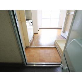 プラザドゥディーンB 102号室の玄関