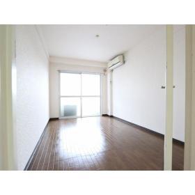 トップマンション桜ヶ丘第3 202号室のリビング