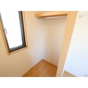 ハイラーク桜ヶ丘XI 201号室のバルコニー