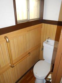古木貸家のトイレ